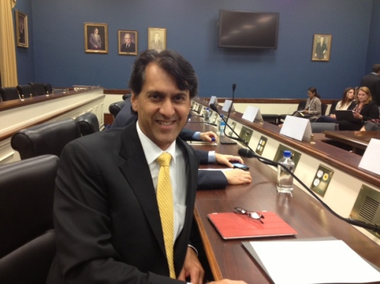 Raj Khera - presenting to congressional staffers